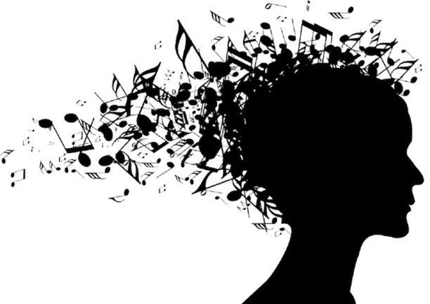 ۱۴ مزیتی که نواختن موسیقی برای مغز دارد